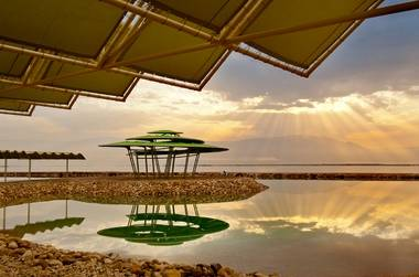 חופשה מושלמת על חוף הים ב-45% הנחה בלאונרדו קלאב ים המלח!