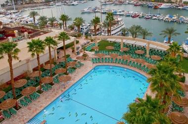 הזדמנות לחופשה מקסימה לכל המשפחה! במלון מג'יק פאלאס אילת ב-50% הנחה!