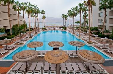 בואו ליהנות ולהתפנק בסוויטות מפוארות במלון ה-U סוויטס ב- 45% הנחה !