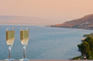חופשה קסומה אל מול חוף הכנרת בלאונרדו פלאזה טבריה ב-50% הנחה!
