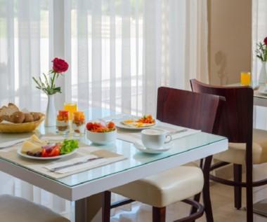 ארוחת בוקר במלון